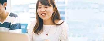 英語・日本語の講師2名体制