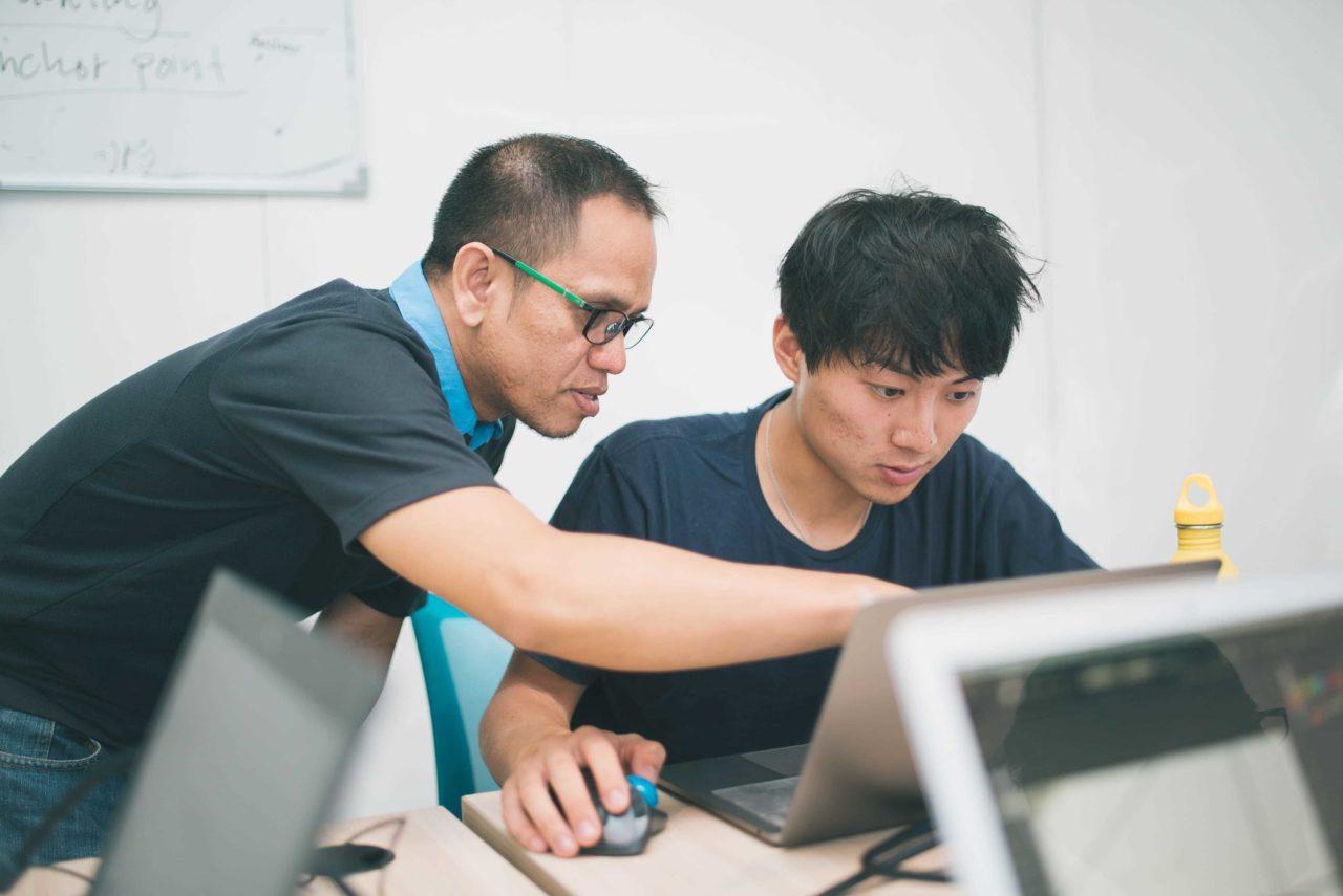 """【日本語で学んでいる場合じゃない】""""英語""""でIT・プログラミングを学ぶメリットとは?"""