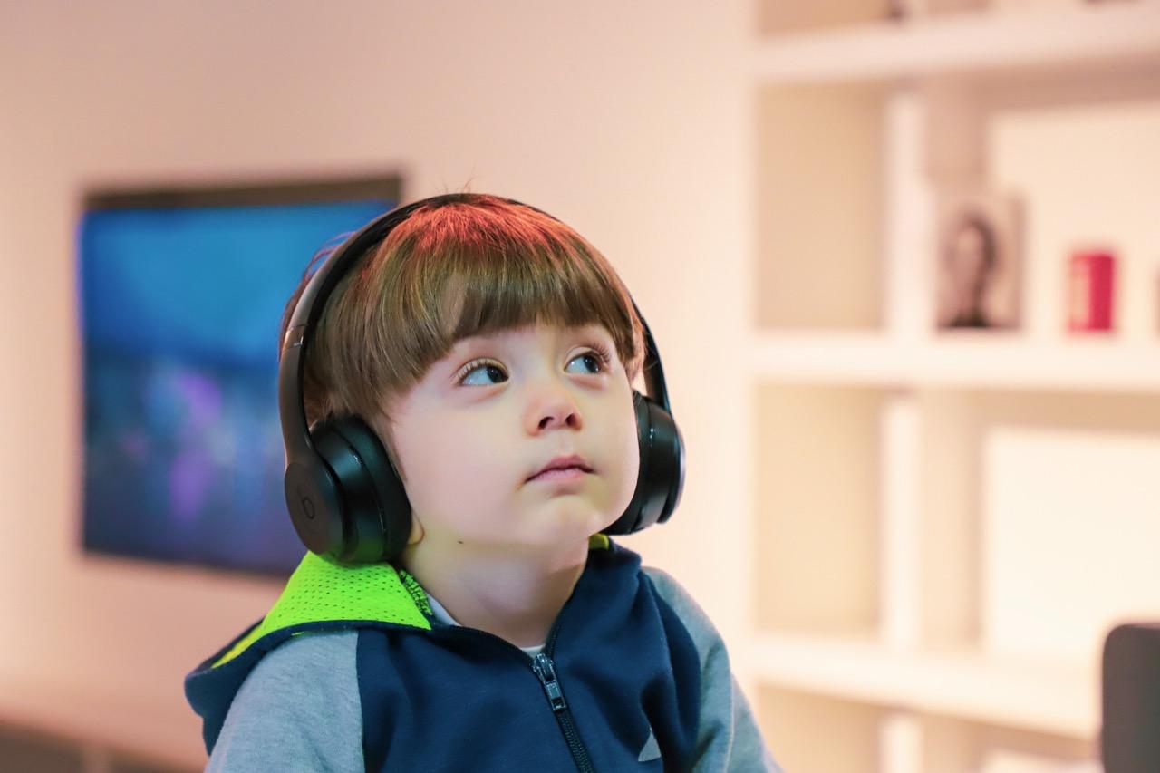 【Listen/Hear/ask】英語で「聞く」という意味の違いを解説