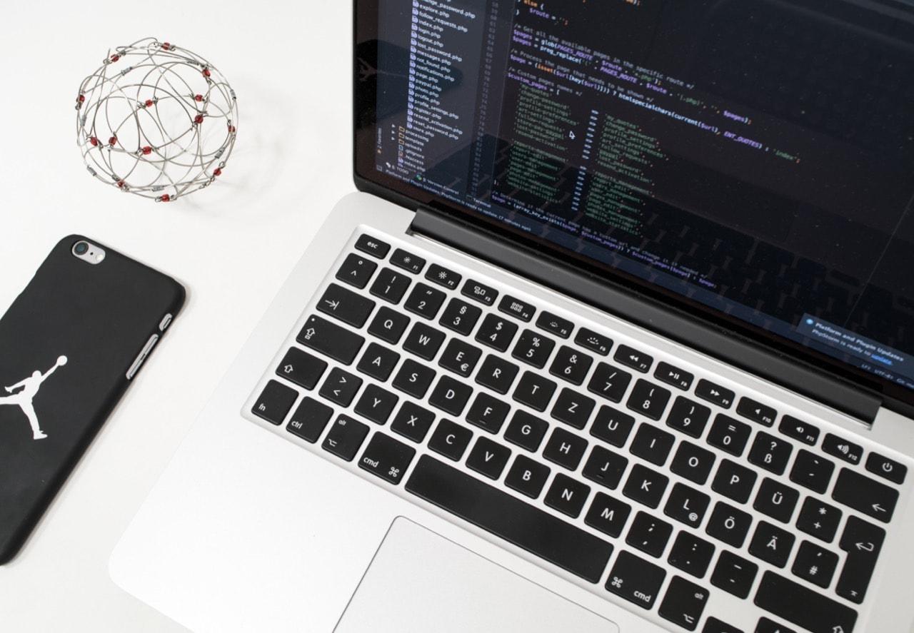 【2020年最新版】プログラミング初心者におすすめの厳選言語3選
