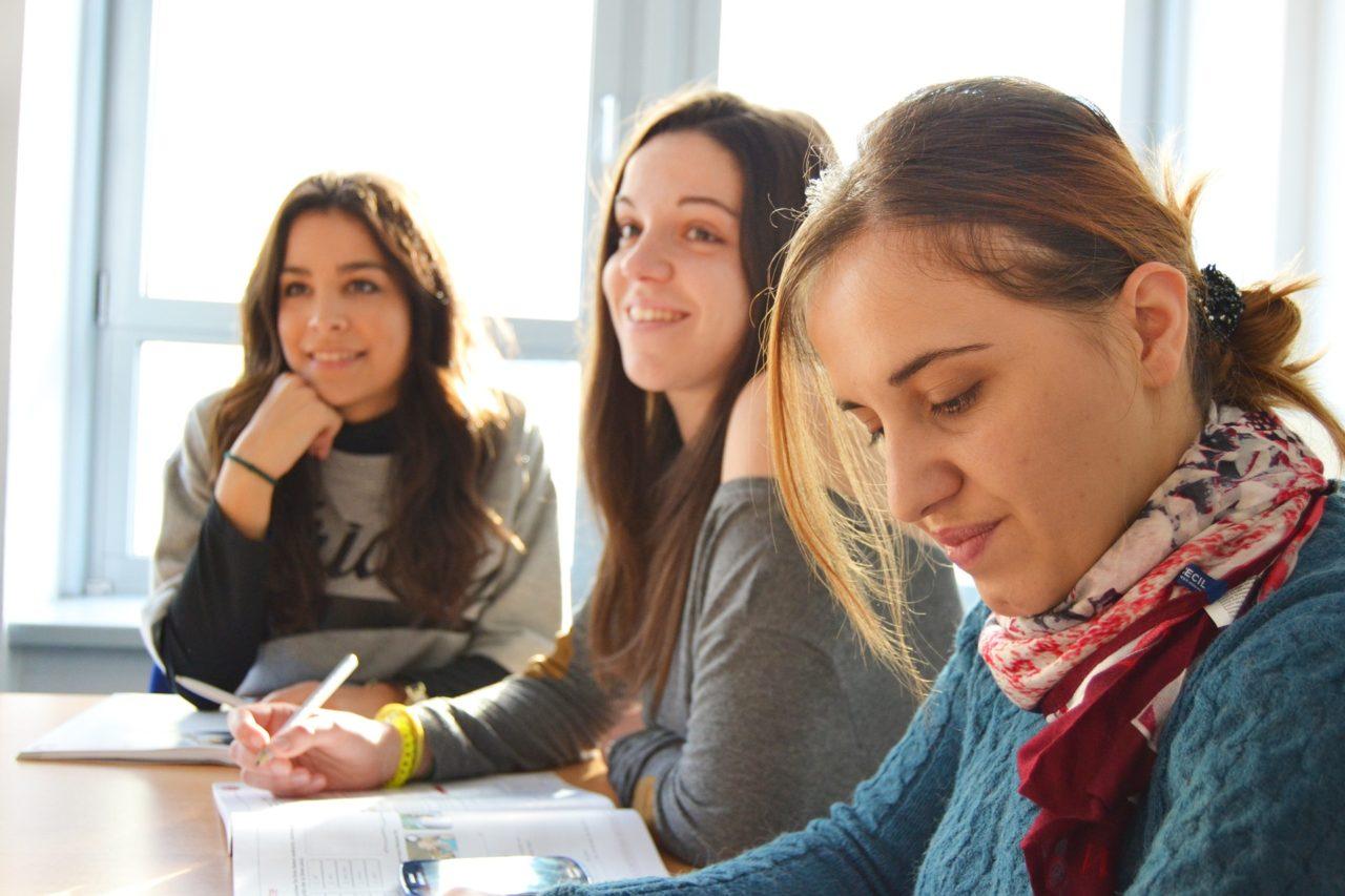 オススメのプログラミングスクール・学校の特徴と選び方