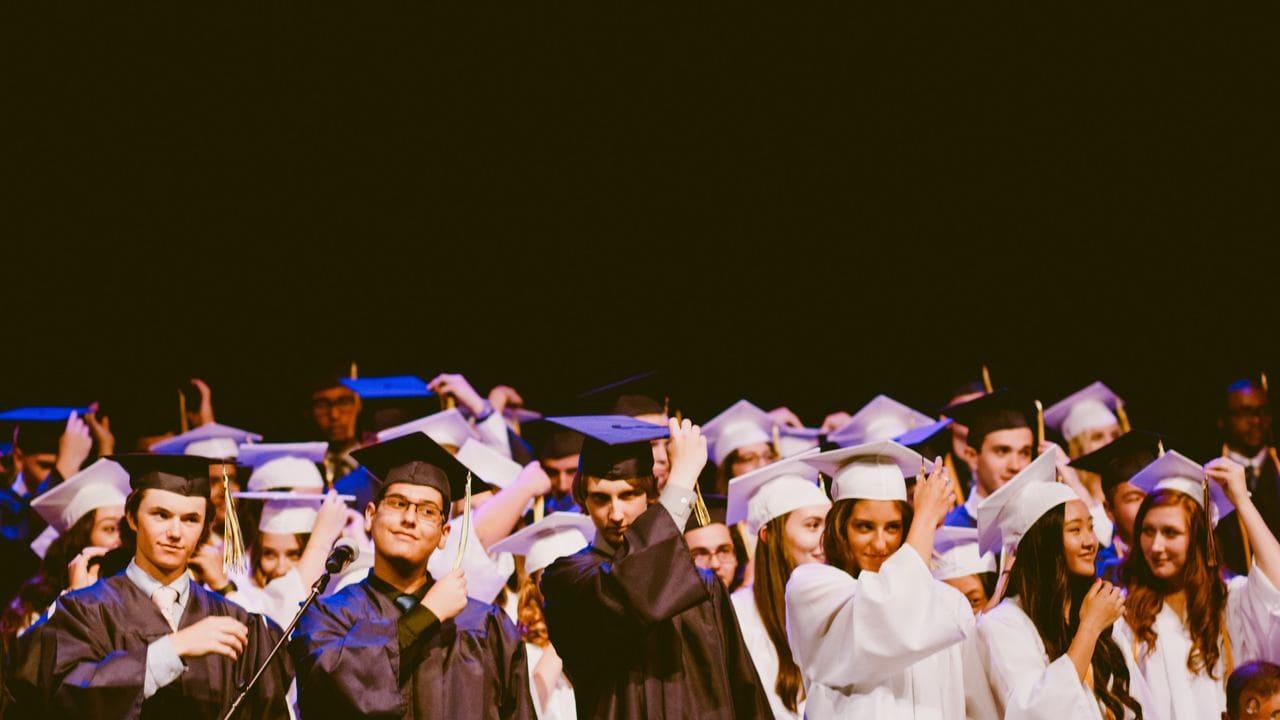 【社会人でも海外留学したい!】返済不要な給付型の奨学金8選