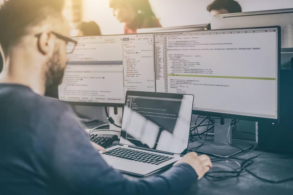 【プログラミング初心者がやるべきこと総まとめ】学習法・言語・パソコン選びまで紹介