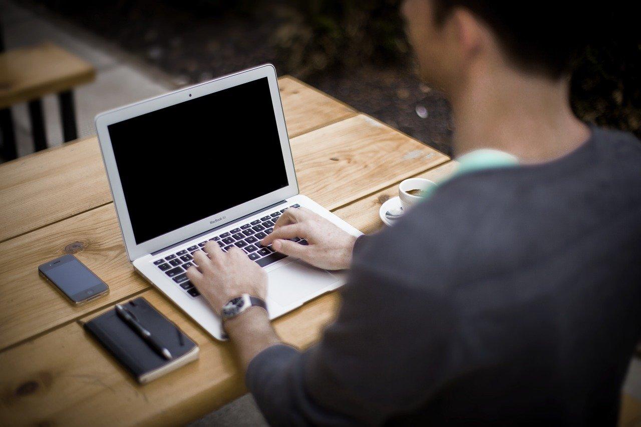 CSSの練習におすすめな模写コーディングとは?